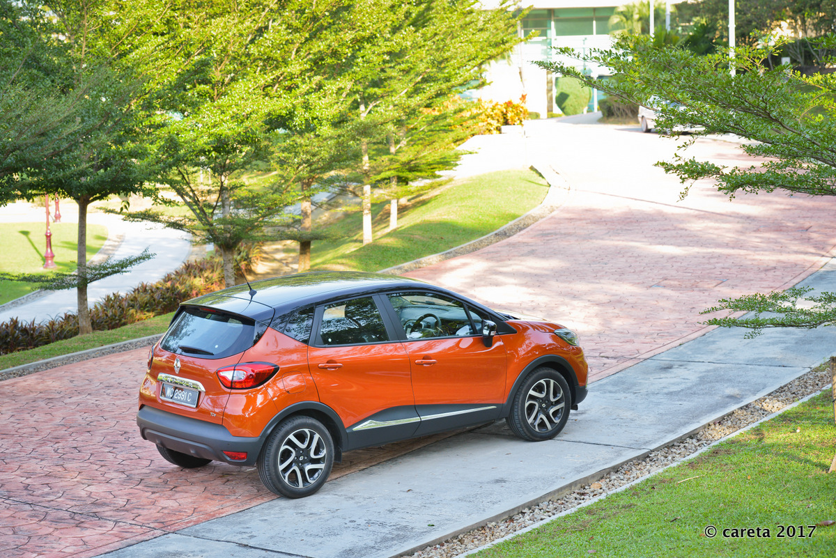 Captur rear quarter