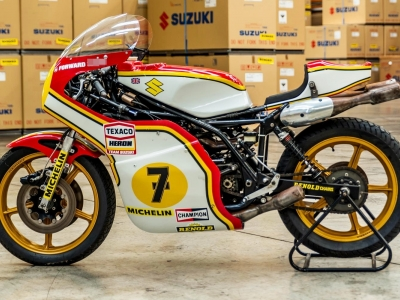 Suzuki baik pulih motosikal legenda Barry Sheene